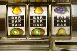 Symbole BAR sur une machine à sous